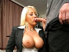 This blonde wife ceo is gettin nailed dirty style in these hot pics